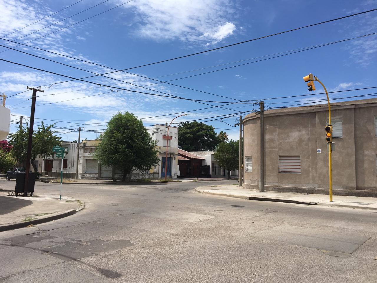 semáforo urquiza y buchardo (1)